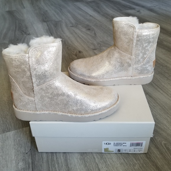 cdf1638ddf4 NEW UGG Abree Mini Stardust Boot. NWT